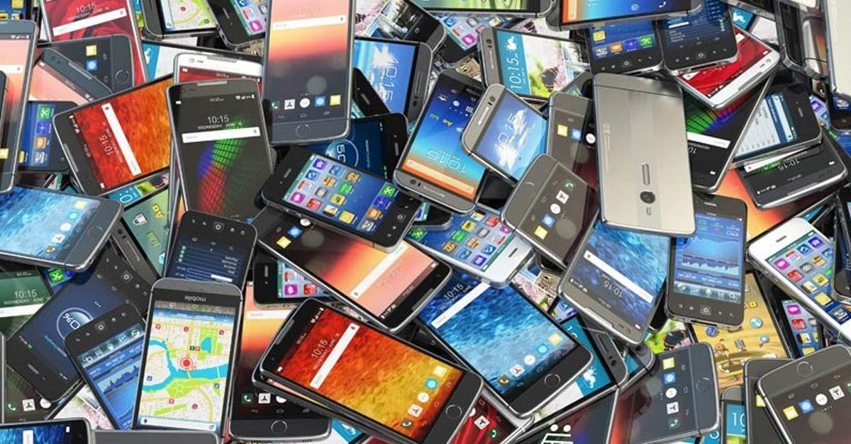 ទូរស័ព្ទស្មាតហ្វូន (Smartphone)។